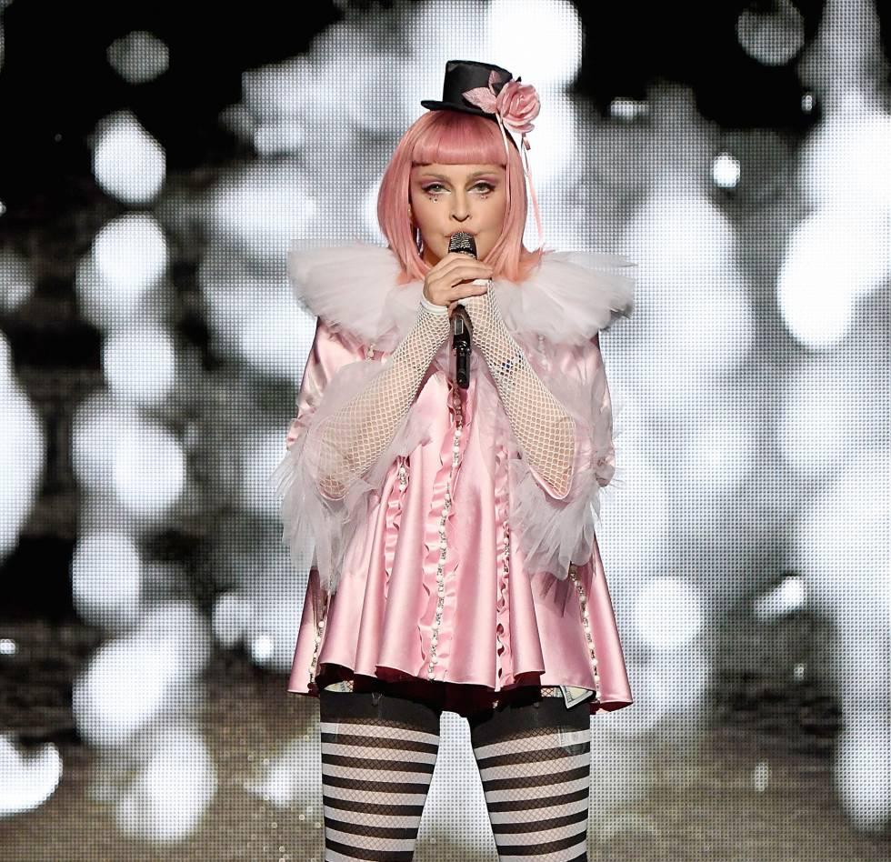 Madonna durante su concierto benéfico en Miami el viernes pasado.
