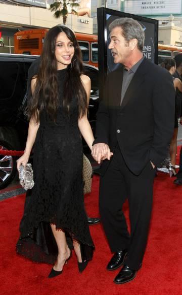Mel Gibson y Oksana Grigorieva en 2009. Un año después, se hizo pública una grabación donde él la insultaba gravemente.