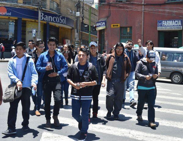 EN BOLIVIA CRECE BONO DEMOGRÁFICO. HAY POCO EMPLEO DE CALIDAD PARA LOS JÓVENES.
