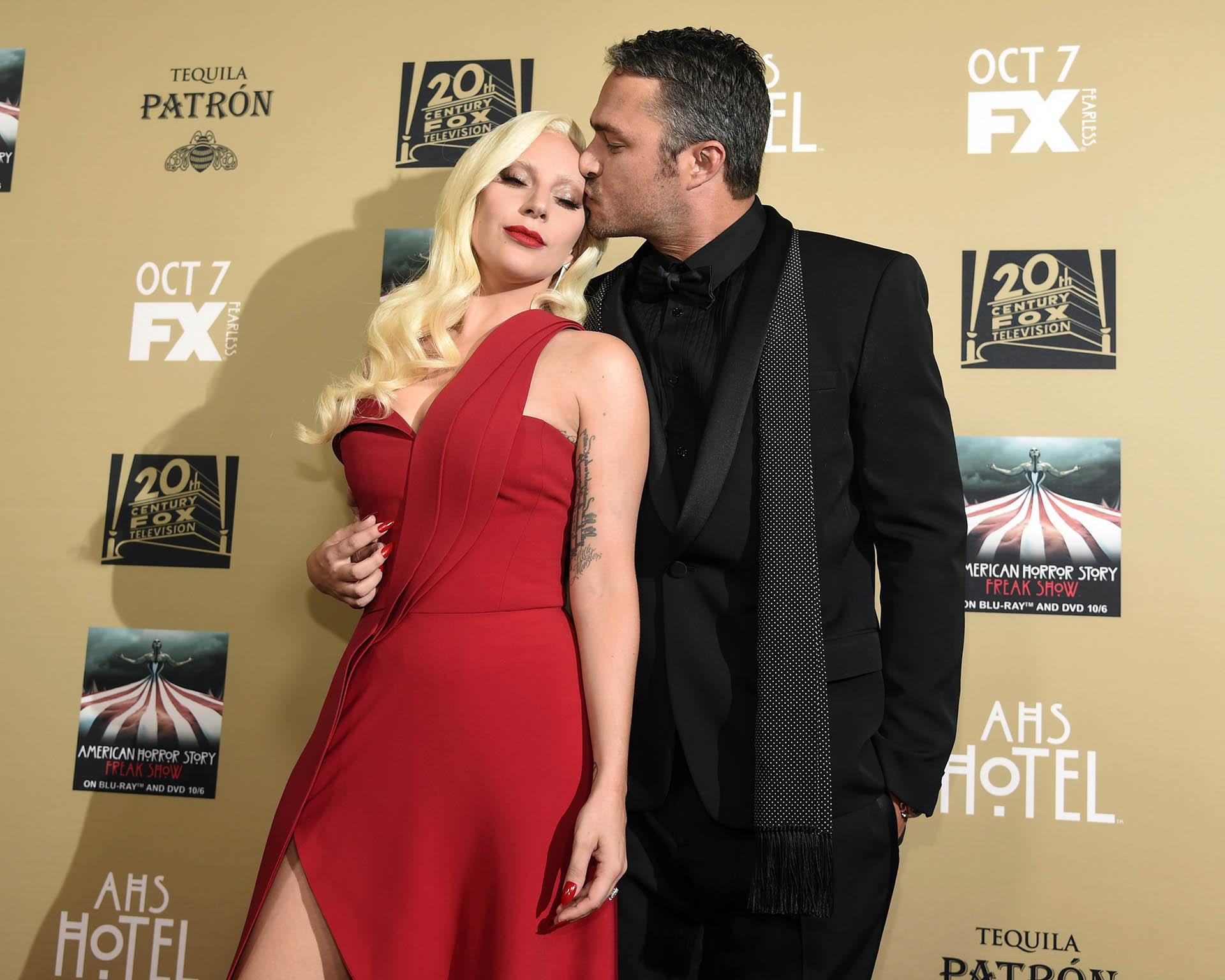 La estrella pop Lady Gaga y Taylor Kinney se separaron abruptamente en julio pasado tras cinco años juntos. El actor le había propuesto casamiento el año pasado en el Día de San Valentín