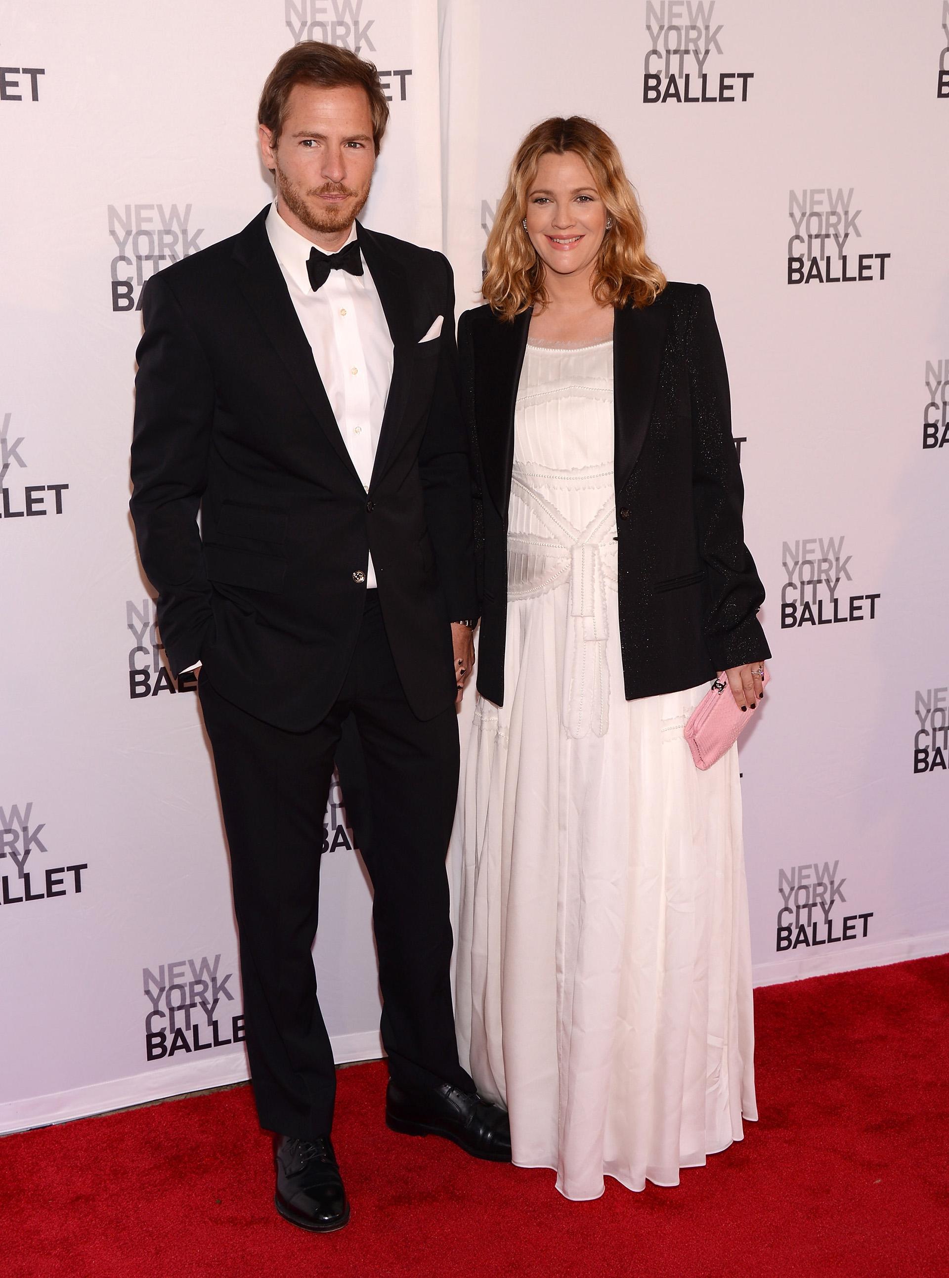 Drew Barrymore terminó este año con Will Kopelman, padre de sus dos hijos. Es el tercer divorcio de la actriz, quien estuvo casada anteriormente con Jeremy Thomas y Tom Green.