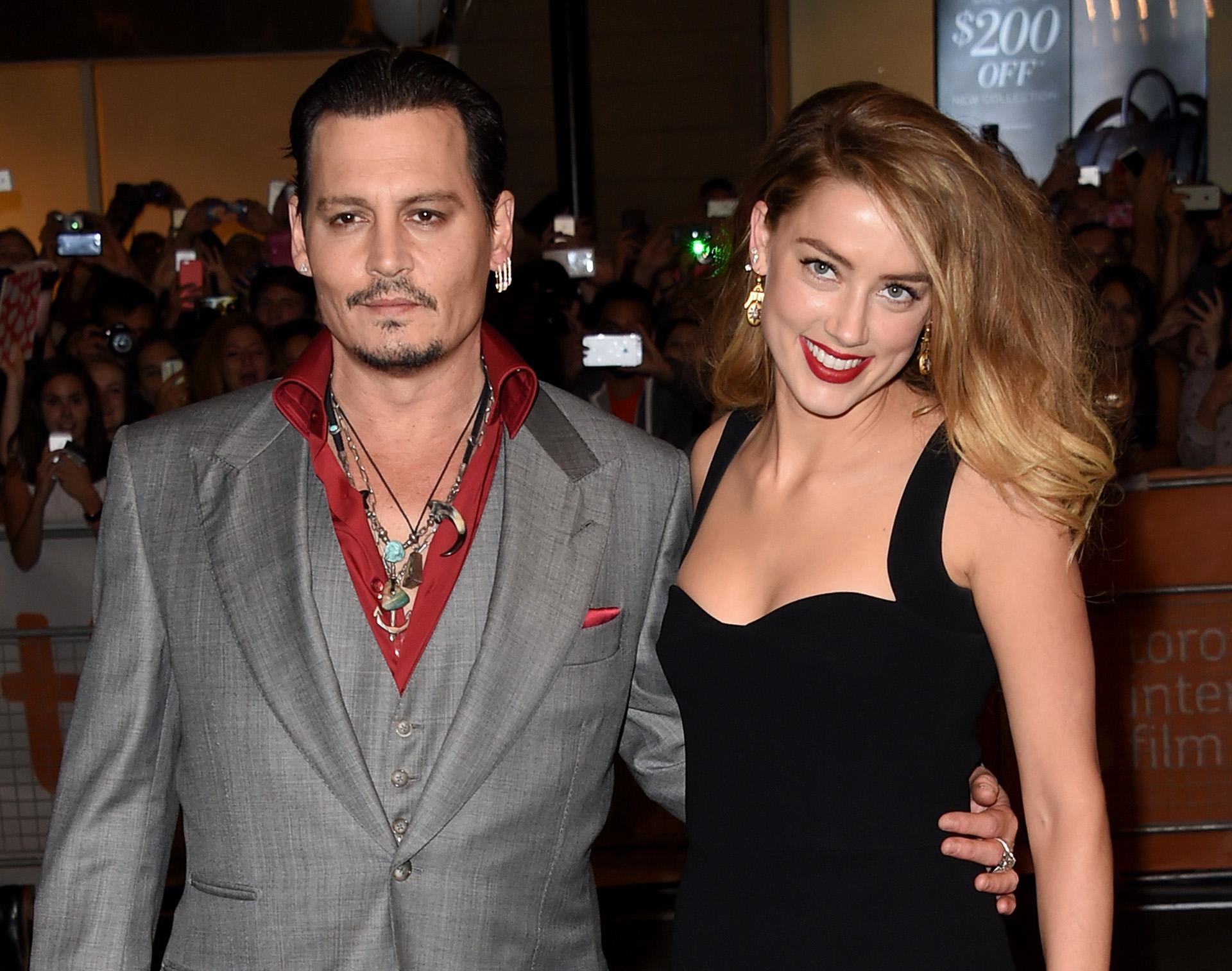 Otra separación explosiva. Amber Heard acusó a Johnny Depp por maltrato y le pidió el divorcios. Dos meses más tarde, la actriz retiró la demanda y recibió USD 8 millones por parte de su ex marido