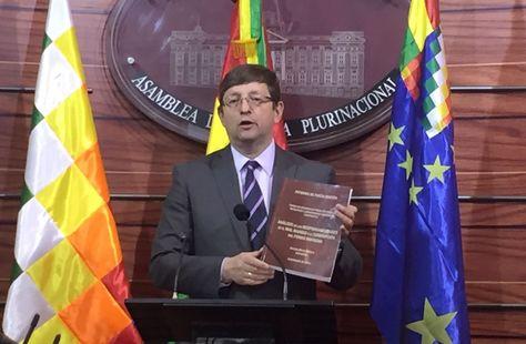 El senador de la alianza de Unidad Demócrata (UD) Óscar Ortiz. Foto: UD