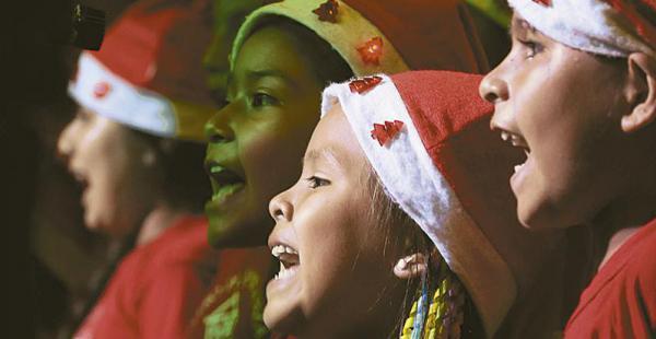 Cientos de niños volverán a deleitar a los asistentes con sus  alegres villancicos y temas navideños. El jueves desde las 19:00
