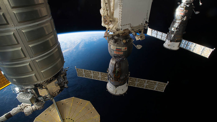 Las naves Cygnus, Soyuz MS-01 y Progress 64 en la EEI