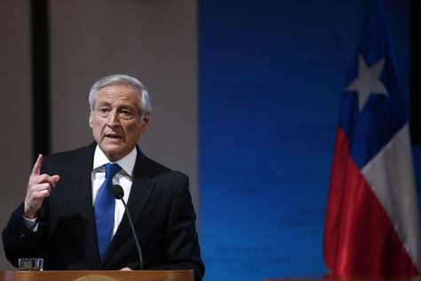 El Ministro de Relaciones Exteriores de Chile, Heraldo Muñoz, habla en una conferencia de prensa hoy, martes 18 de octubre de 2016, en Santiago. Foto: EFE