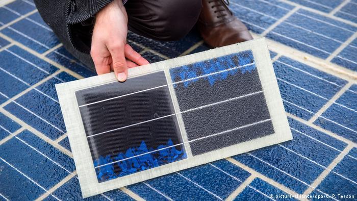 Frankreich Eröffnung der ersten Solar Straße (picture-alliance/dpa/C. P. Tesson)