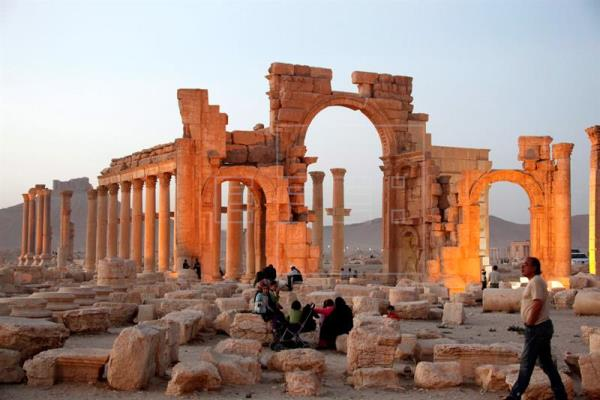 Fotografía facilitada en marzo de 2016 de la ciudad histórica de Palmira, en el centro de Siria, tomada el 12 de noviembre de 2010. EFE/Archivo