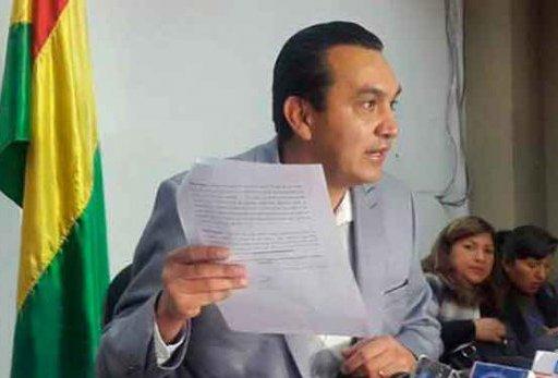 El senador Yerko Nuñez se querella contra la ministra de @AmbienteyAguaBo https://t.co/PfzucjuuKw