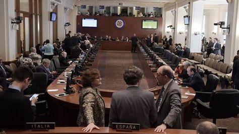 Vista del Consejo Permanente de la OEA este lunes 3 de abril de 2017, preparándose para iniciar la sesión sobre Venezuela, que fue presidida por Honduras ante la ausencia de Bolivia. Foto:EFE