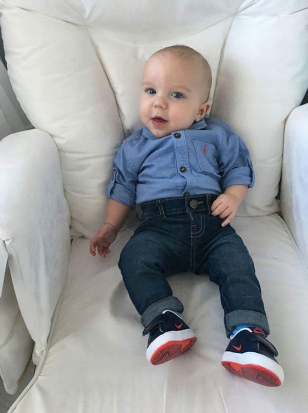 El pequeño Oliver nació en la semana 35 de gestación. Durante 15 semanas su hermano Elijah estuvo en el mismo vientre (Facebook)