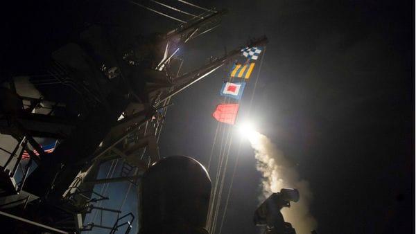 Misil disparado desde un destructor del ejército de los Estados Unidos.
