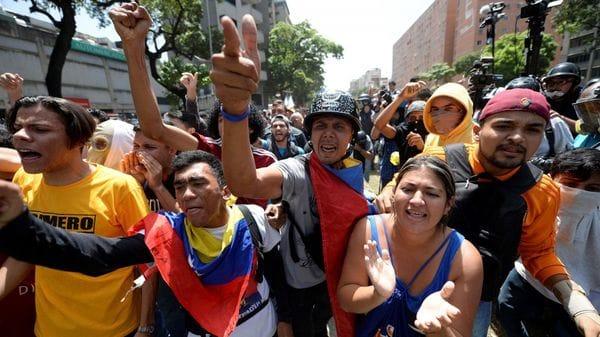 Los venezolanos saldrán este sábado nuevamente a las calles para protestar contra Nicolás Maduro