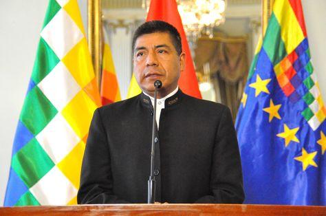 El canciller Fernando Huanacuni durante una conferencia de prensa. Foto: ABI