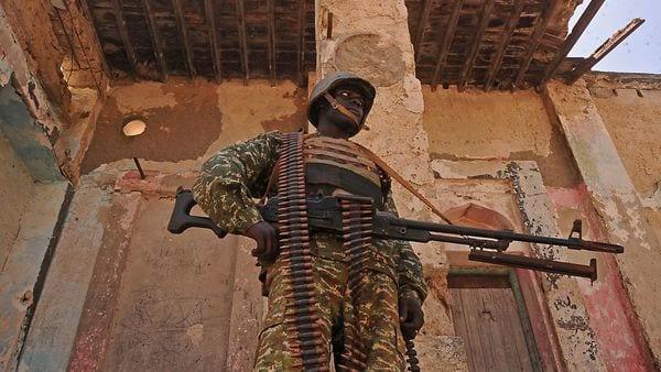 Un soldado en Merka, al norte de la capital, Mogadiscio (AFP/Archivo)