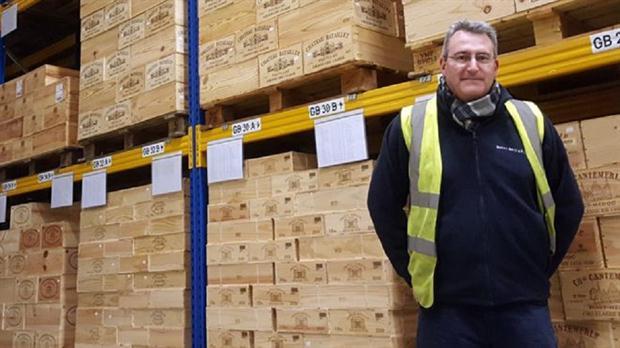 Philip Moulin es el detective principal de vinos en la firma británica Berry Brothers & Rudd