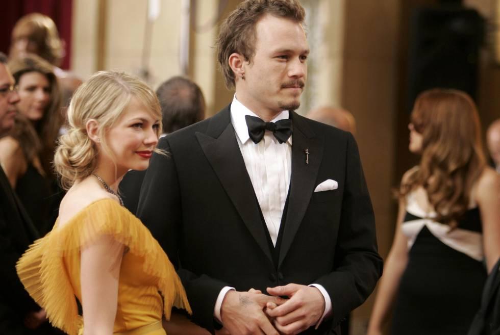Michelle Williams y Heath Ledger, en la ceremonia de los premios Oscar en 2006.