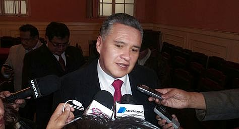 Eduardo León tras la audiencia en el Juzgado Sexto en lo Penal de La Paz.