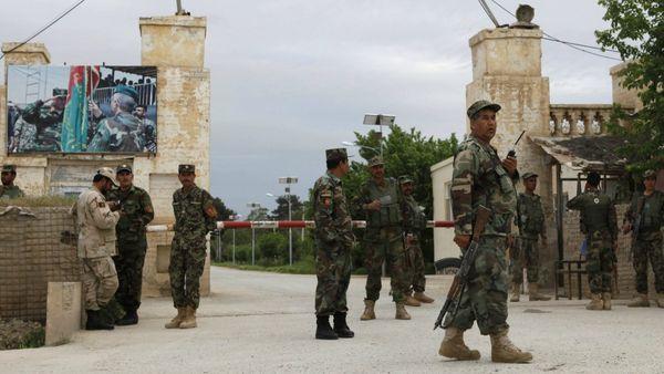 Soldados del ejército de Afganistán. (Reuters)