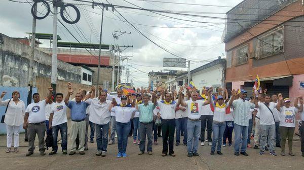 Los venezolanos vuelven a salir a las calles (@villafrancale)
