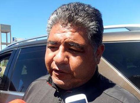 El presidente del club San José, Wilson Martínez, atiende a los medios de comunicación. Foto: La Patria en Línea