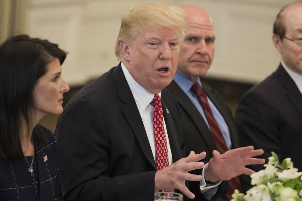 Trump, este lunes, en un almuerzo en la Casa Blanca