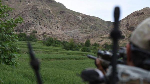 Las tropas de EEUU y Afganistán custodian la zona del ataque