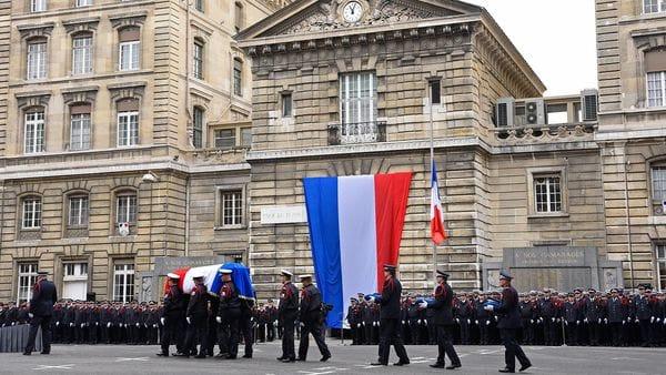 Homenaje nacional al policía muerto en el atentado del pasado jueves (AFP)
