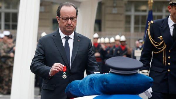 El acto homenaje estuvo encabezado por el presidente François Hollande (AFP)