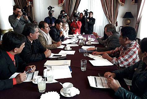 Reunión de la Comisión Multipartidaria, el 18 de abril, sobre la elección de autoridades judiciales.
