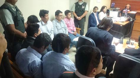 Los cuidadanos bolivianos en su audiencia en Chile.