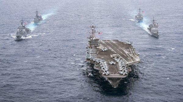 El USS Carl Vinsonse dirige a la península coreana con apoyo del Ejército japonés