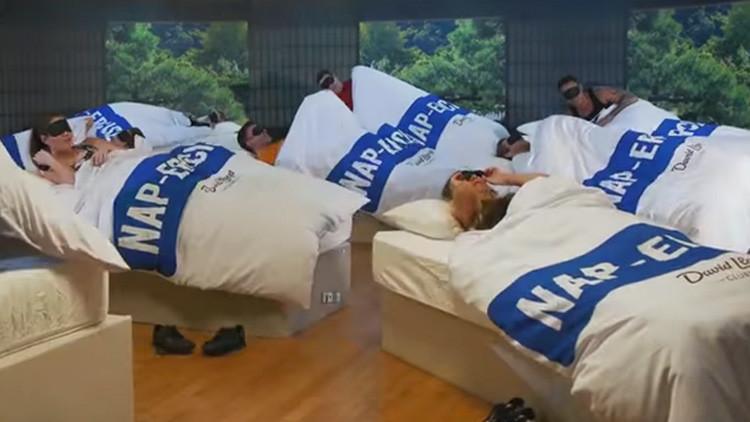 'El ejercicio de los 40 guiños': un gimnasio crea una clase que consiste en dormir 45 minutos