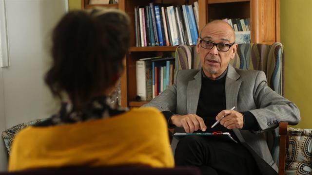 Adrián Helien, psiquiatra que coordina el grupo de atención a personas trans del Durand