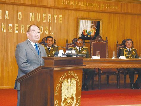 El ministro de Gobierno, Carlos Romero, durante una reunión con jefes policiales. Foto: Pedro Laguna-Archivo