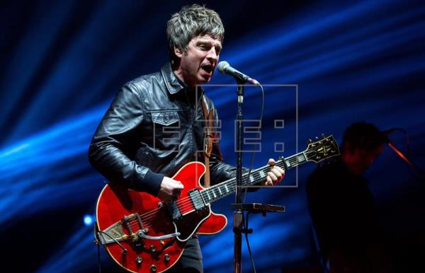 El líder de la banda británica High Flying Birds, Noel Gallagher, en un concierto. EFE