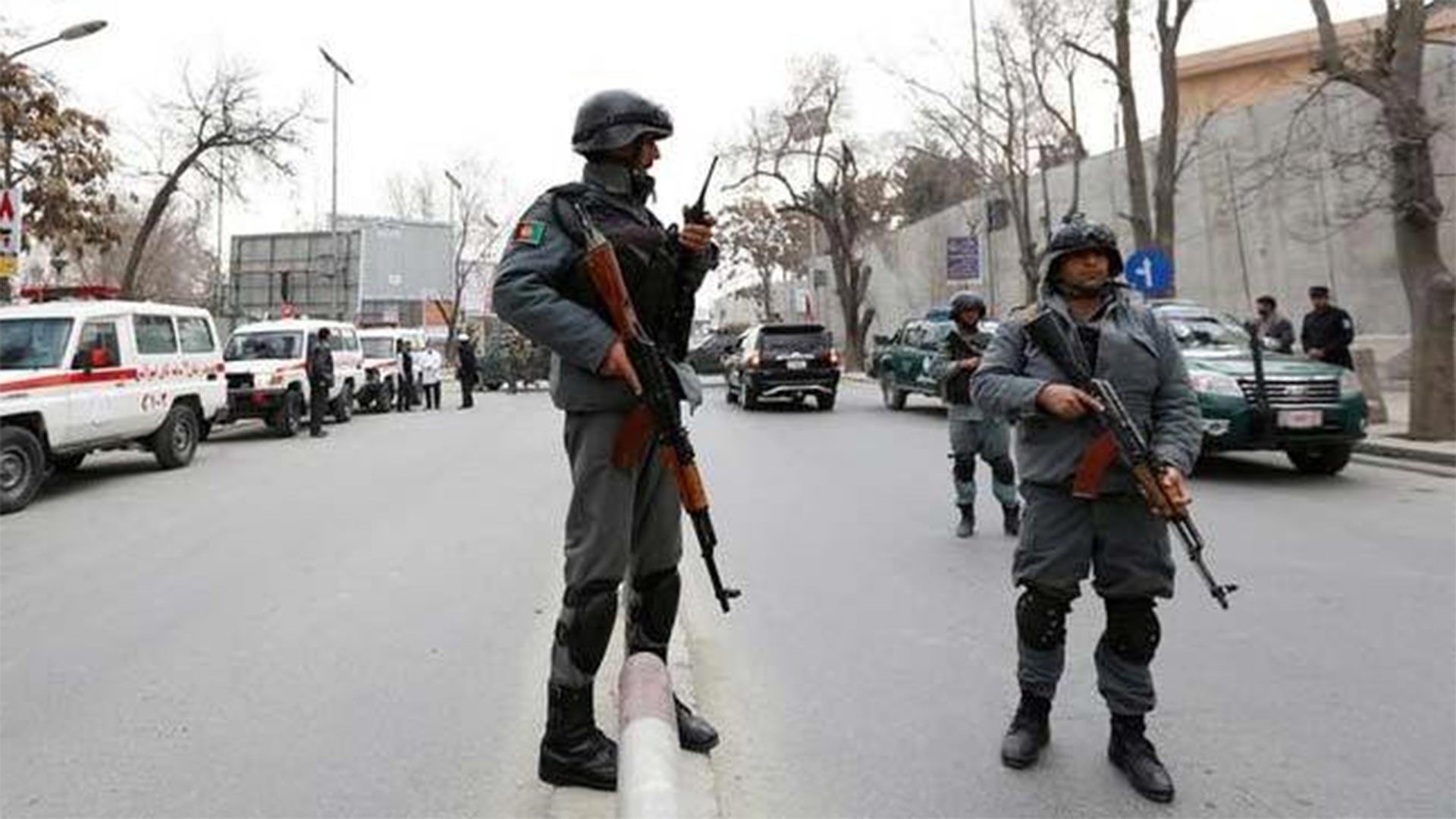 Ataque suicida contra una mezquita en Kabul deja seis muertos