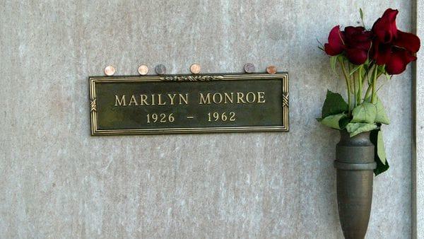 La tumba de Marilyn Monroe en el Westwood Village Memorial Park Cemetery de Los Angeles (Getty Images)