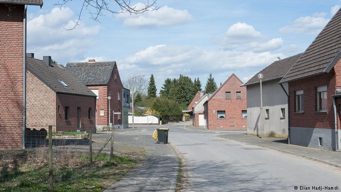 Casas y calles vacías en Manheim. La mayoría de los vecinos han abandonado el pueblo.