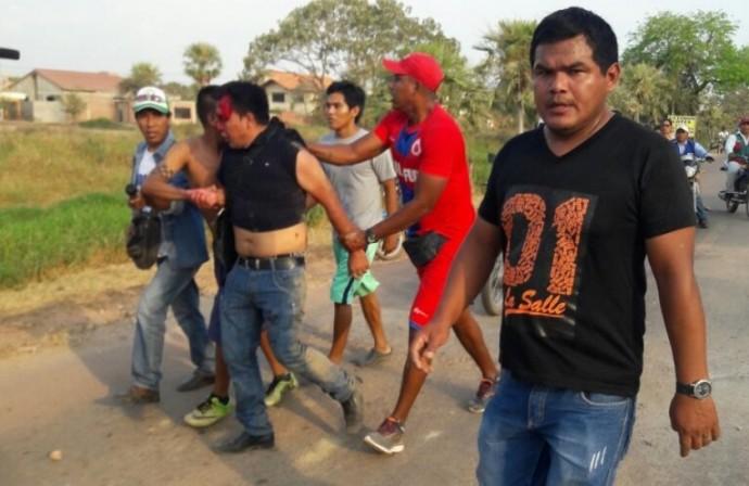 Ex dirigentes agredieron físicamente a los dirigentes de la USFX. Foto: Gentileza