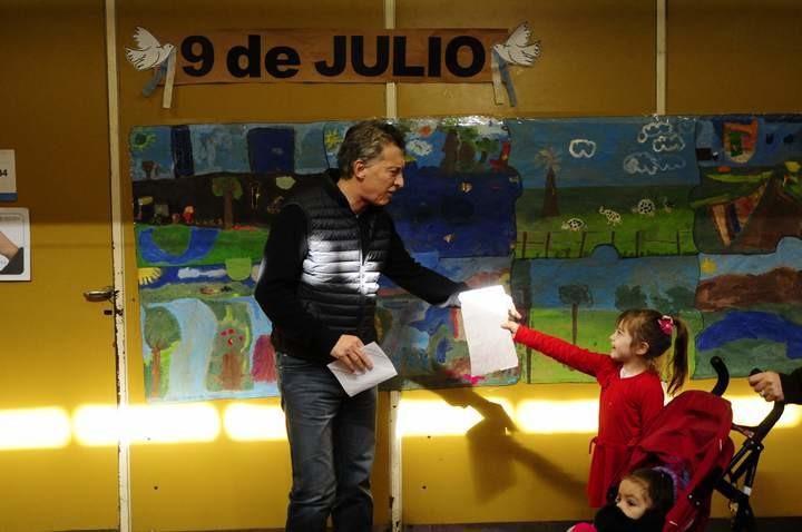 "Paso 2017. Mauricio Macri votó: ""Pregúntele a Cristina por qué no vota"""