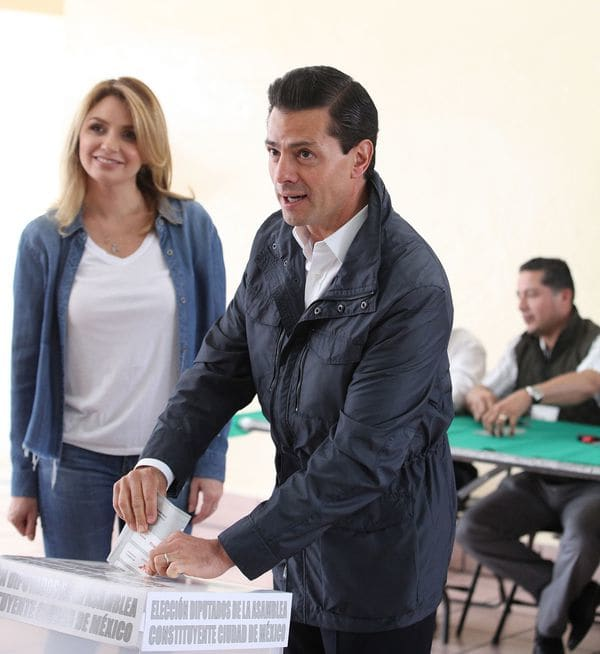 Como candidato, Peña Nieto fue cuestionado por sus gastos de campaña. (Foto: EFE)