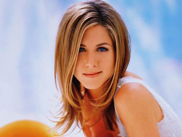 La fortuna de Aniston aumentó considerablemente tras la venta a Unilever de los champús Living Proof, de los que poseía una parte