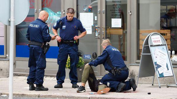 """""""El gobierno sigue de cerca la situación en Turku y la operación que está llevando a cabo la policía"""", afirmó Juha Sippilä, jefe del gobierno finlandés (AFP)"""