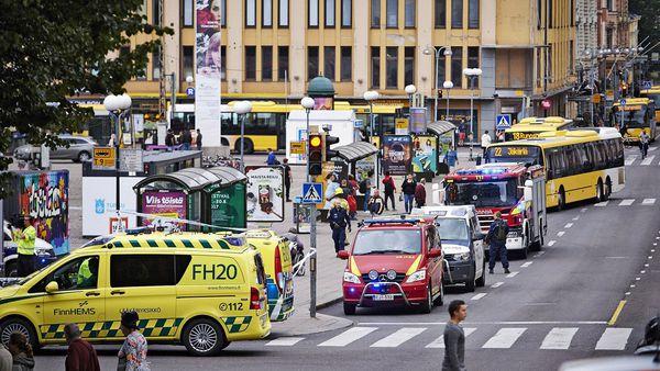 La policía incrementó la seguridad en el aeropuerto de Helsinki y en las estaciones de tren (EFE)
