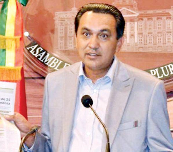 Resultado de imagen de El senador de la opositora Unidad Demócrata (UD), Yerko Núñez