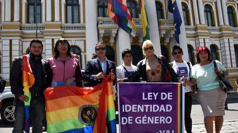 El colectivo que impulsó el proyecto de Ley cambio de identidad de genero. Foto: La Razón archivo