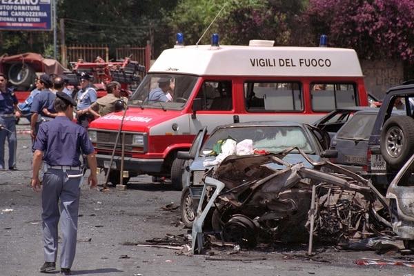 El coche bomba usado para matar al juez Paolo Borsellino el 19 de julio de 1992 (AP Foto/Alessandro Fucarini, archivo)