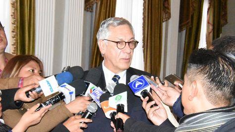 El agente de Bolivia ante laCorte Internacional de Justicia (CIJ), EduardoRodríguez Veltzé en declaraciones a la prensa.