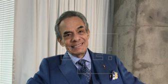 El cantante mexicano José José abandona el hospital tras 20 días internado